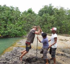 ODonnell_coring_Palawan_hotspring2